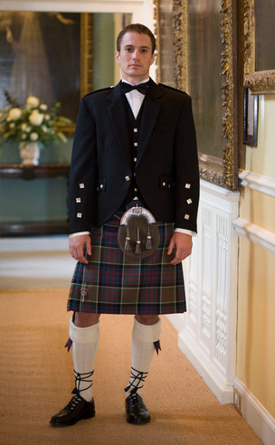 Classic Braemar Kilt Outfit, with Clan accessories