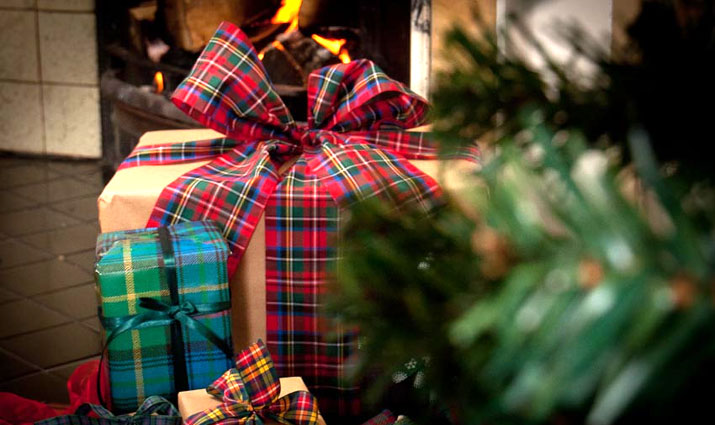 christmas gifts and traditional quality cashmere tartans and tweeds from scotweb tartan mill