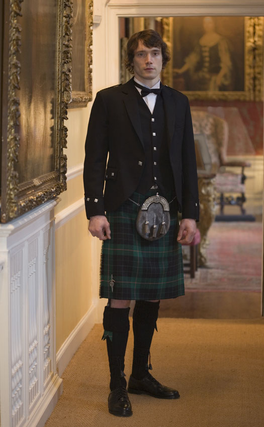 Classic Argyll Kilt Outfit with Luxury Clan accessories